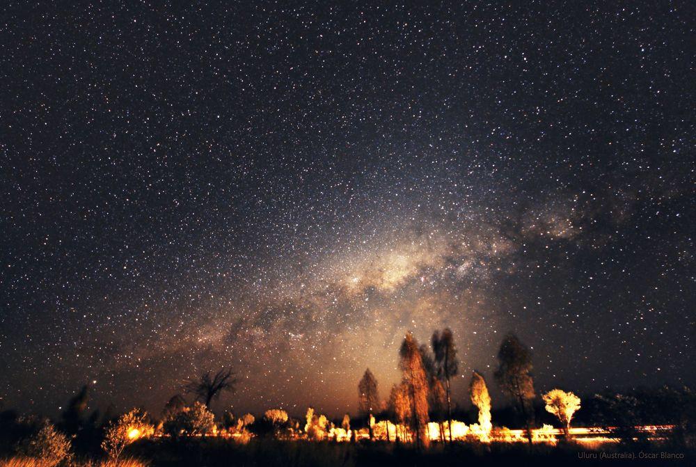 Cielo Austral. Noviembre 2012. Uluru (Australia) by Oscar Blanco
