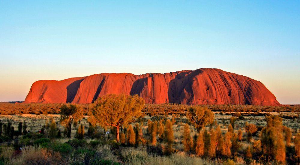 Uluru by Oscar Blanco