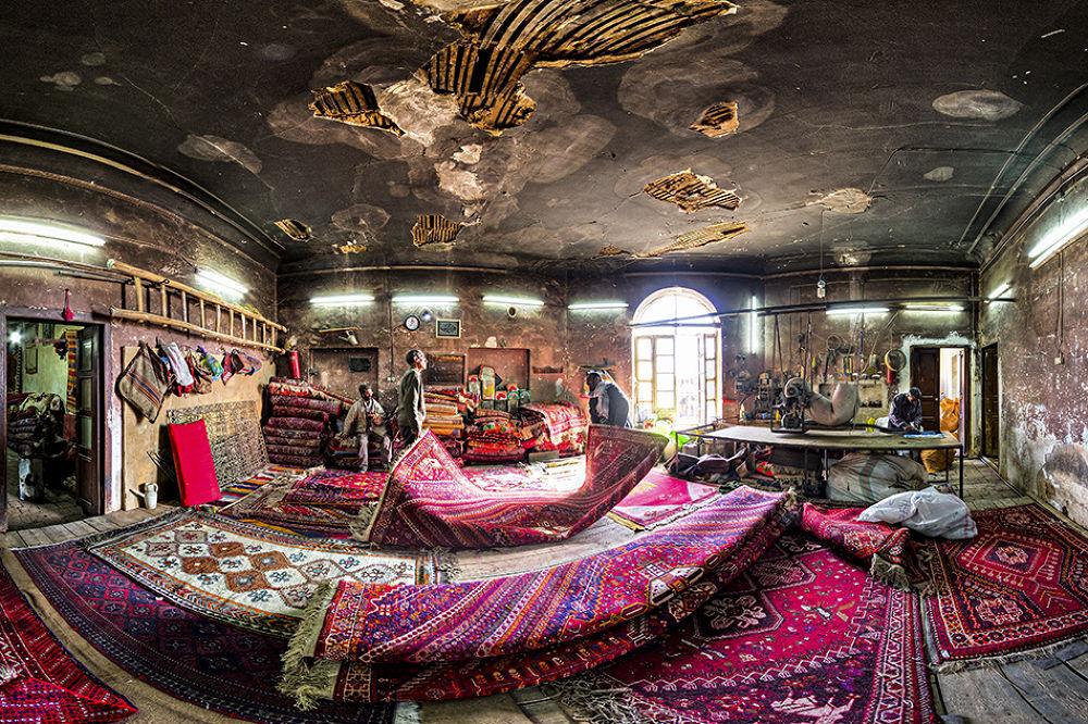 Traditional Carpet Repair Workshop  by gravity