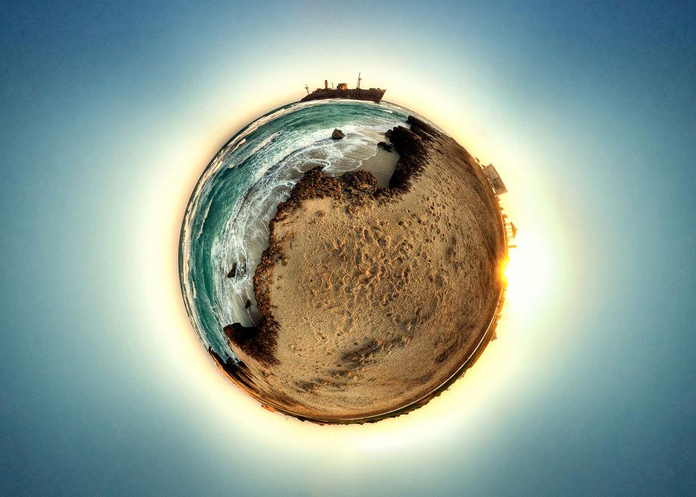 Kish Island ( by Mohammad Reza Domiri Ganji ) by gravity