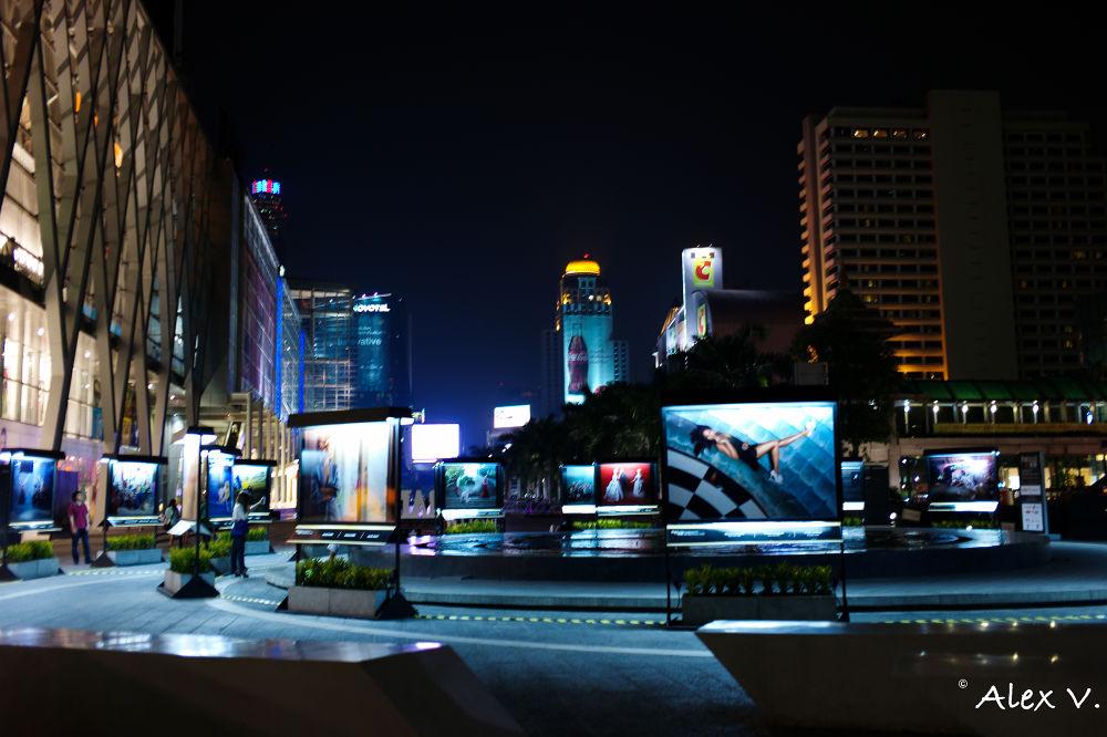 Photo in Architecture #night #design #bangkok #fashion #architecture #mode