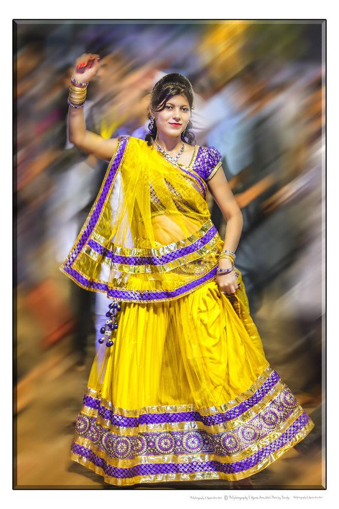 Garba girl at Gujarat by guruhindustani1