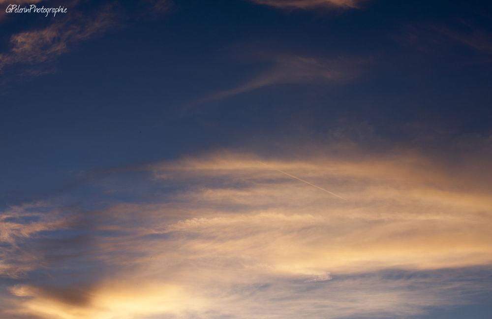 nuage orange serie 1c by gpelerinphotographie