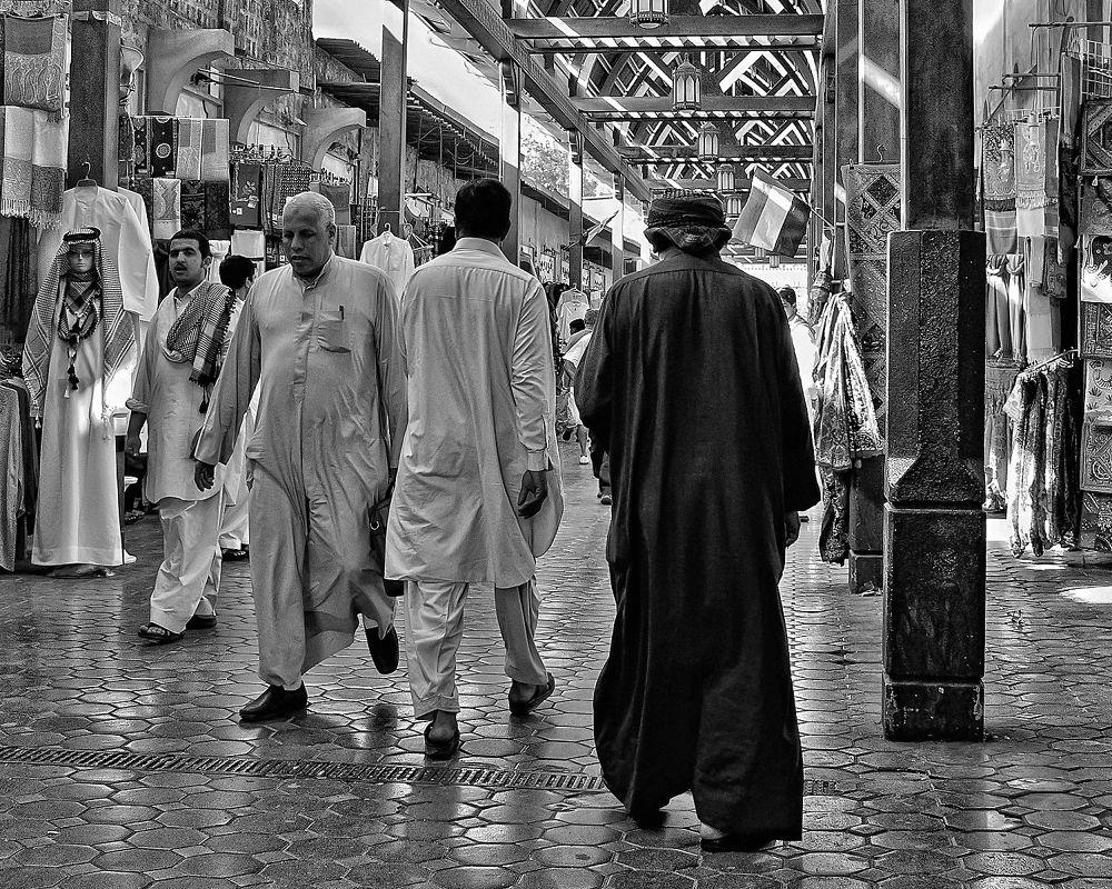 Market in Dubai by davwsteele