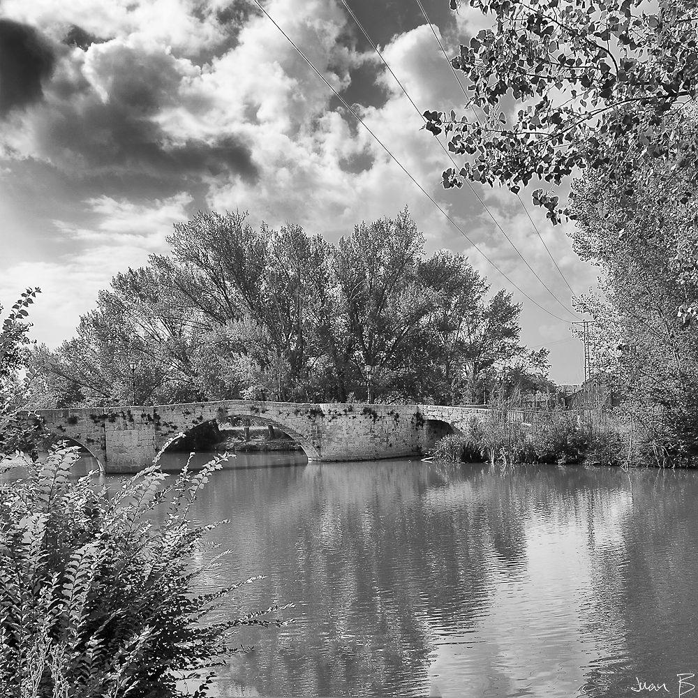 Puente en Blanco y Negro by JuanBlancoPhotography
