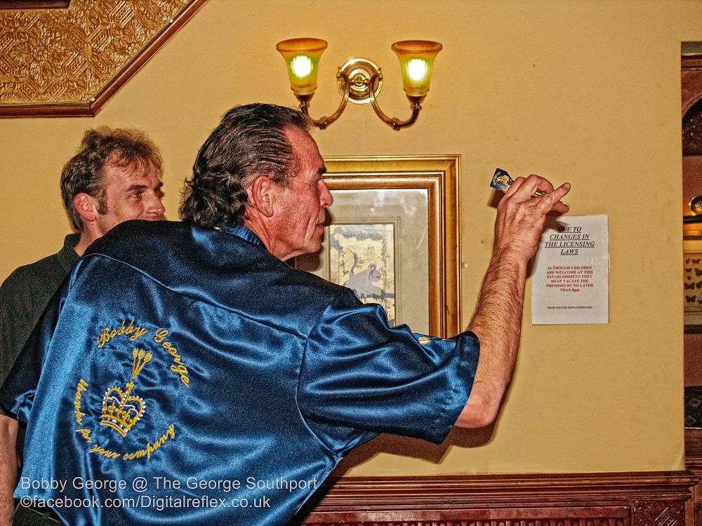 Bobby George @ The George Hotel, Southport 28-11-2006 01 by Nick Hill