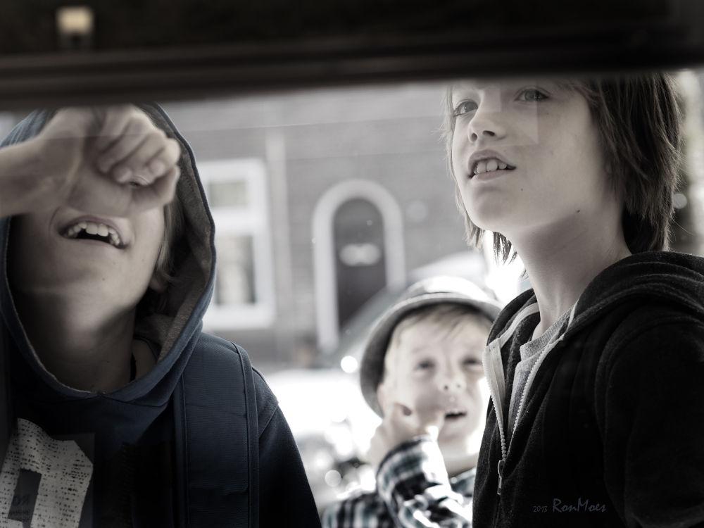 Boys in town by RonMoesNijmegen