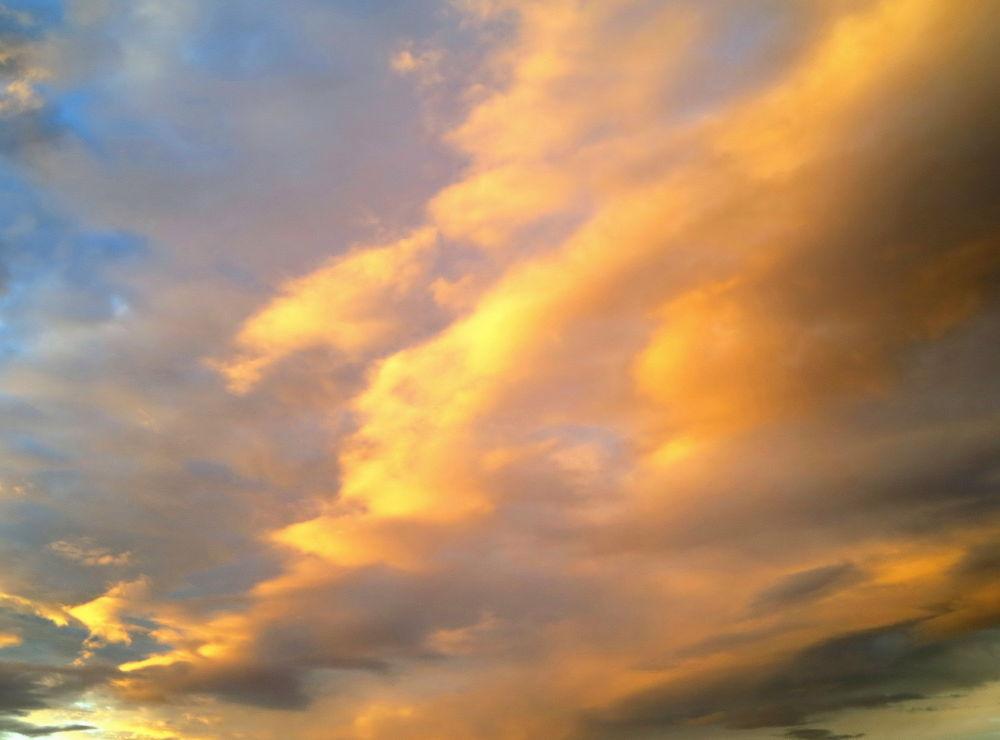 Beautiful Sky..... by piafyren