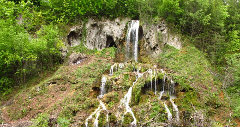 waterfall by Ionela Garovat