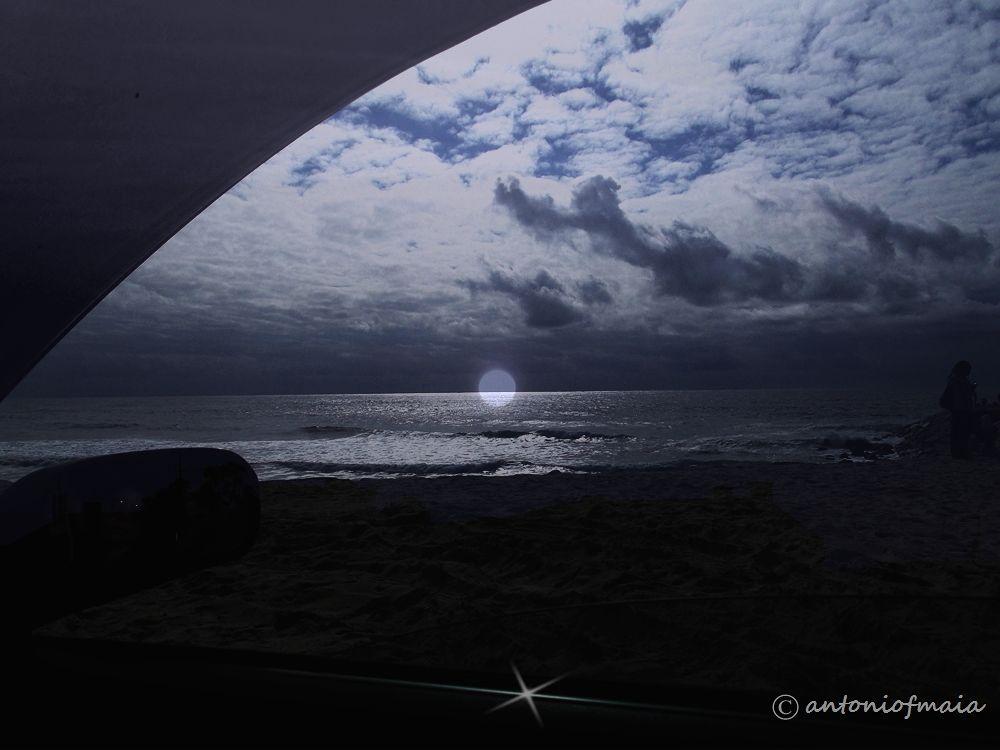Through the window ... MULTIFRAME WEB by Antonio F. Maia