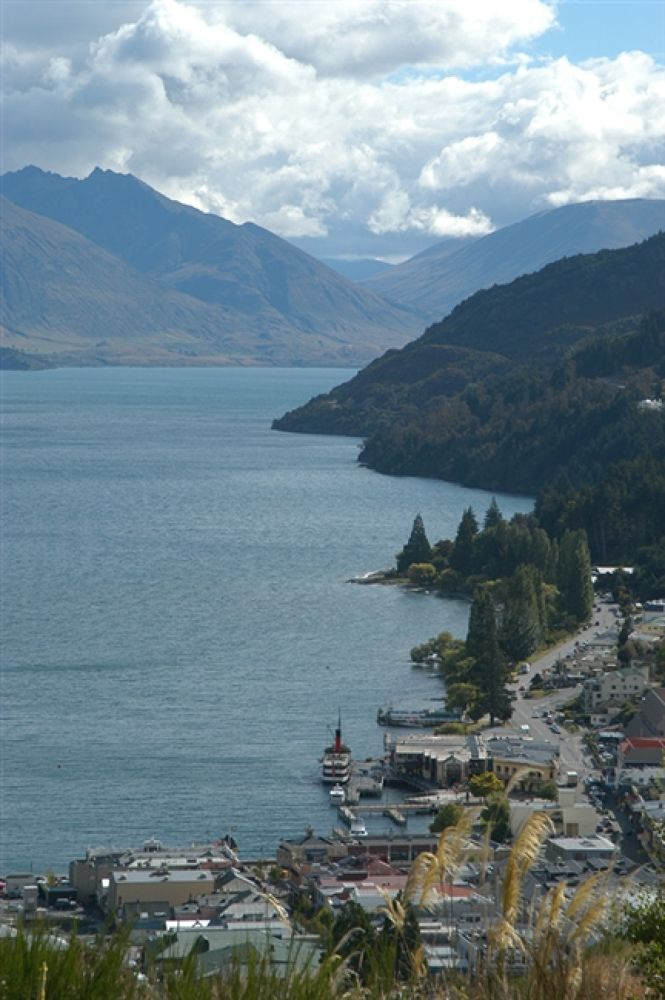 012403-Queenstown021 by travelpic