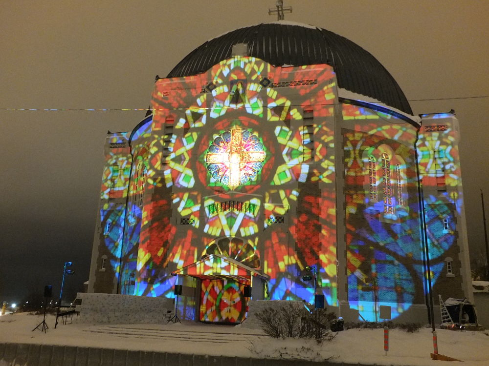Cathedrale projection 2 by jayrome