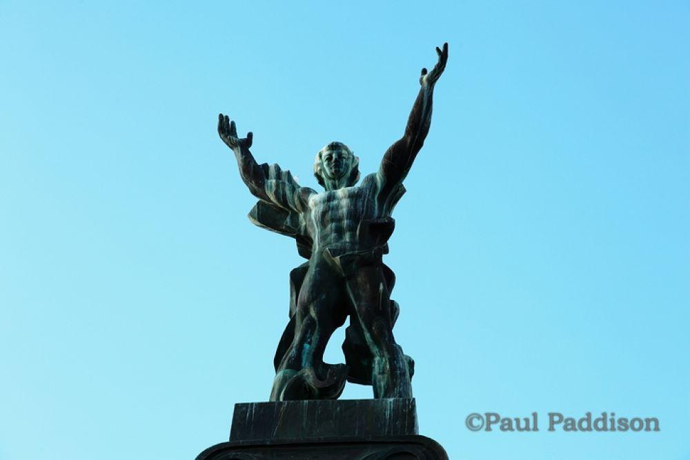 statue by Paul Paddison