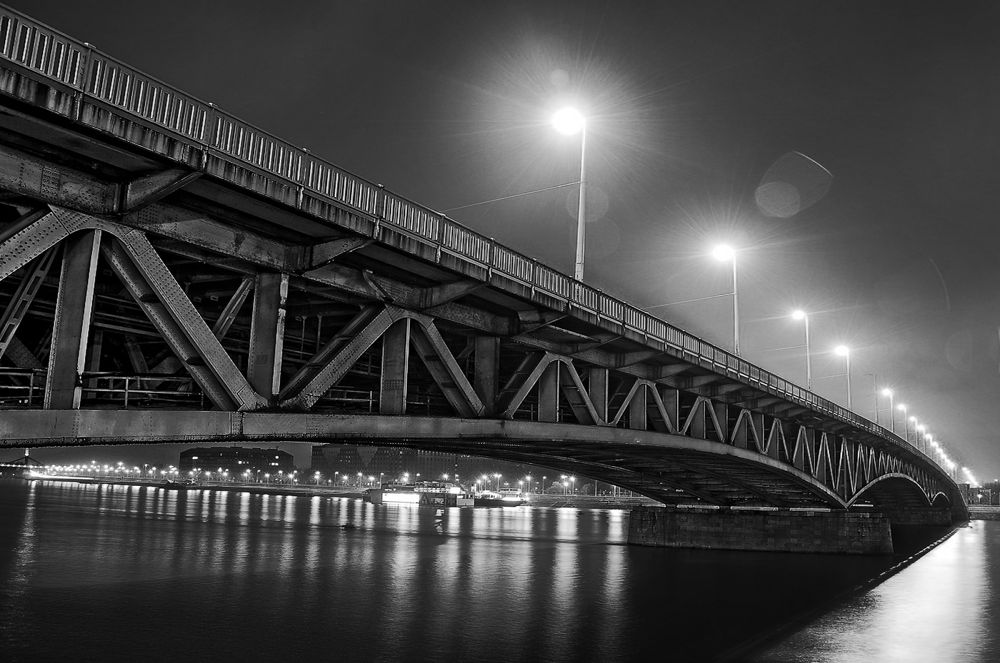 Petofi bridge by rogaphoto