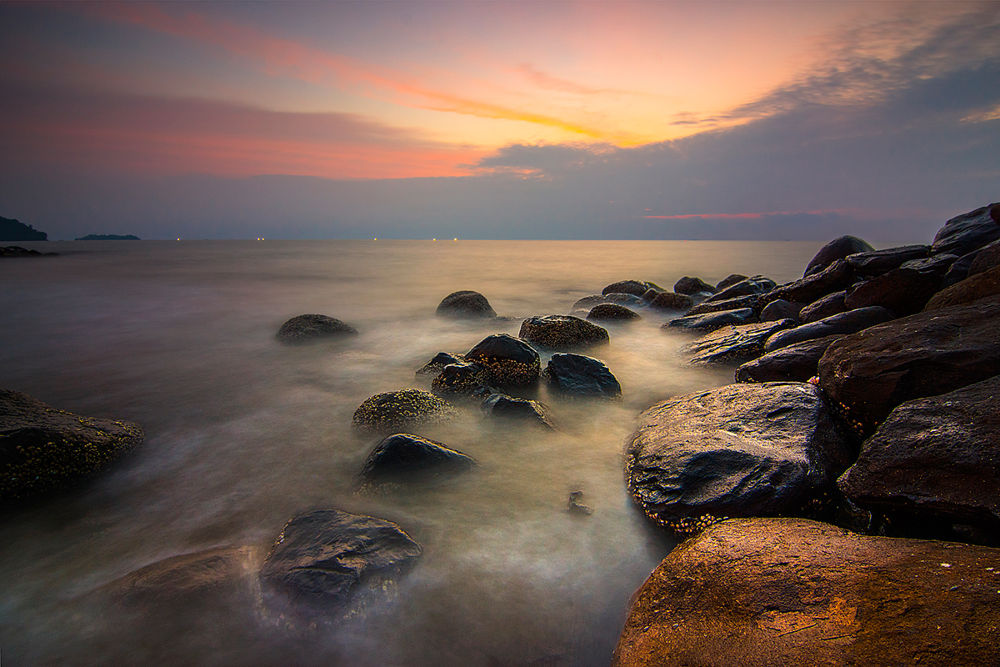 Soft Sunset at Purus Beach by AdeNoverzan