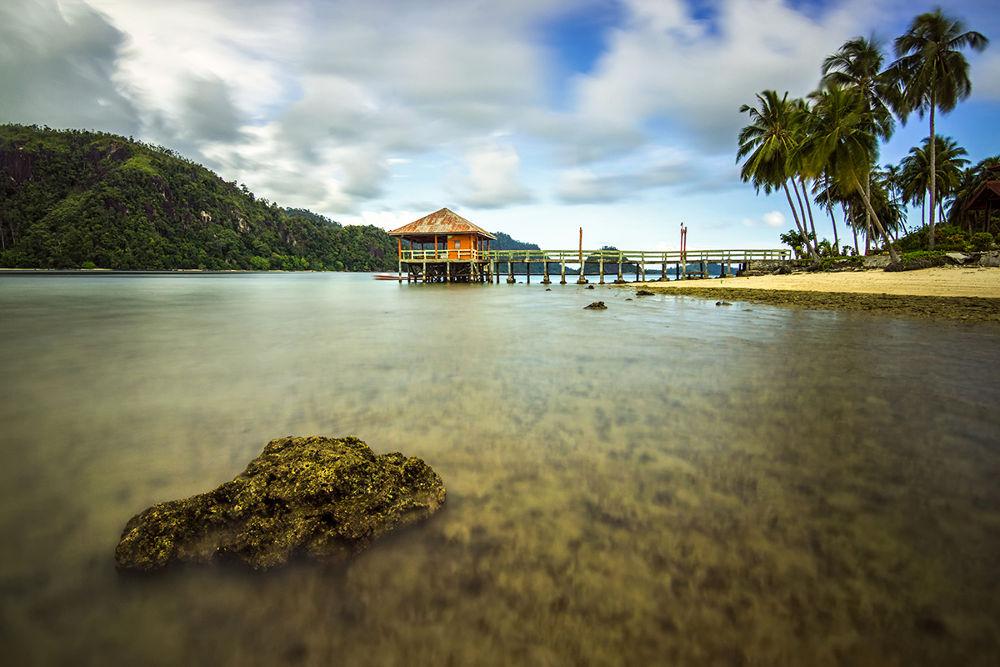 Exotic Sikuai Island by AdeNoverzan