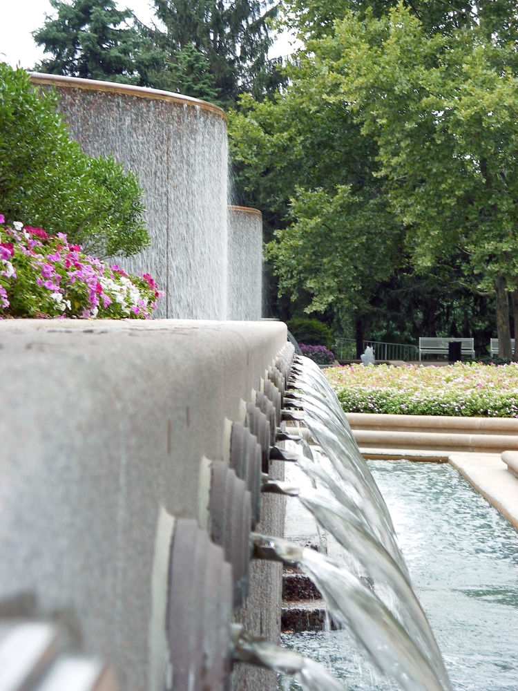 Crystal City - Park by lauspics
