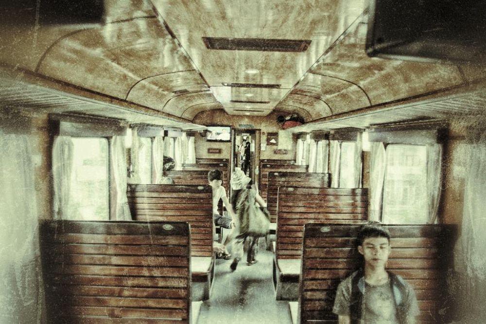 in-train by florentchaudemanche