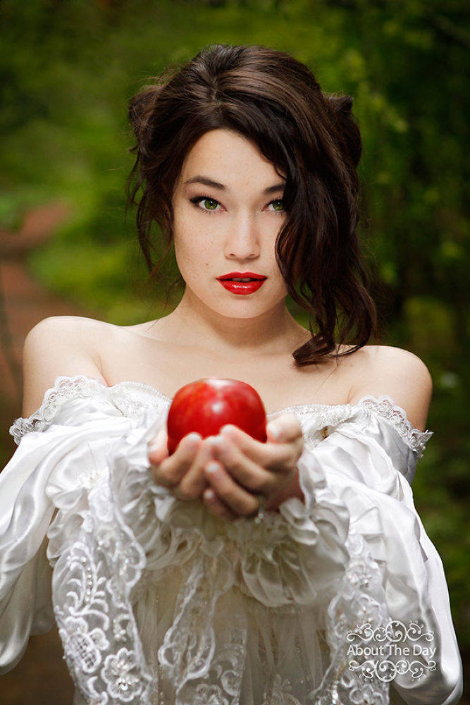 Apple anyone? by Sonia w/ About The Day