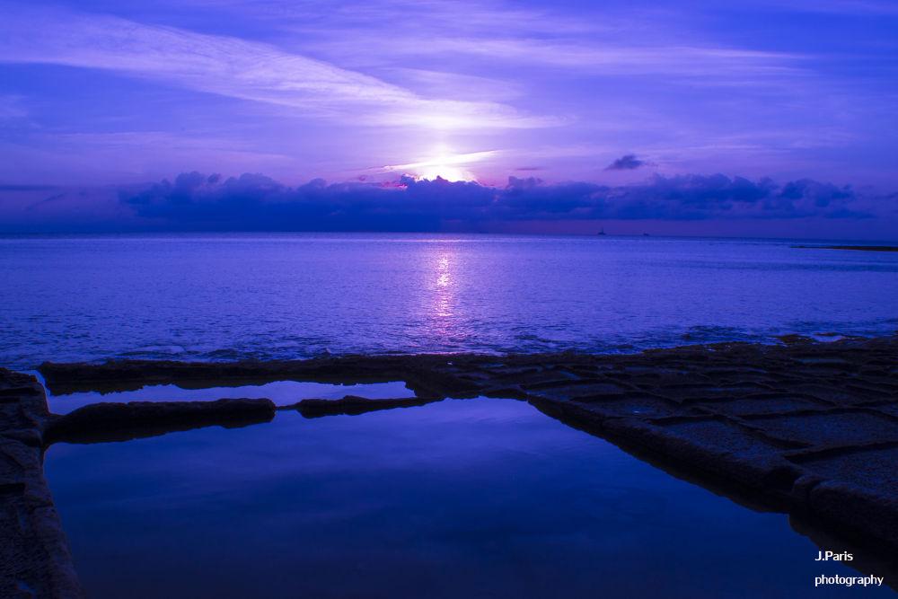 Sunrise by Jonathan Paris
