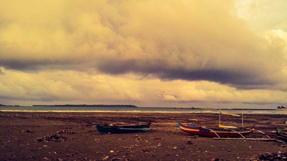 Summer Storm by Erlinda Bocar Kantor