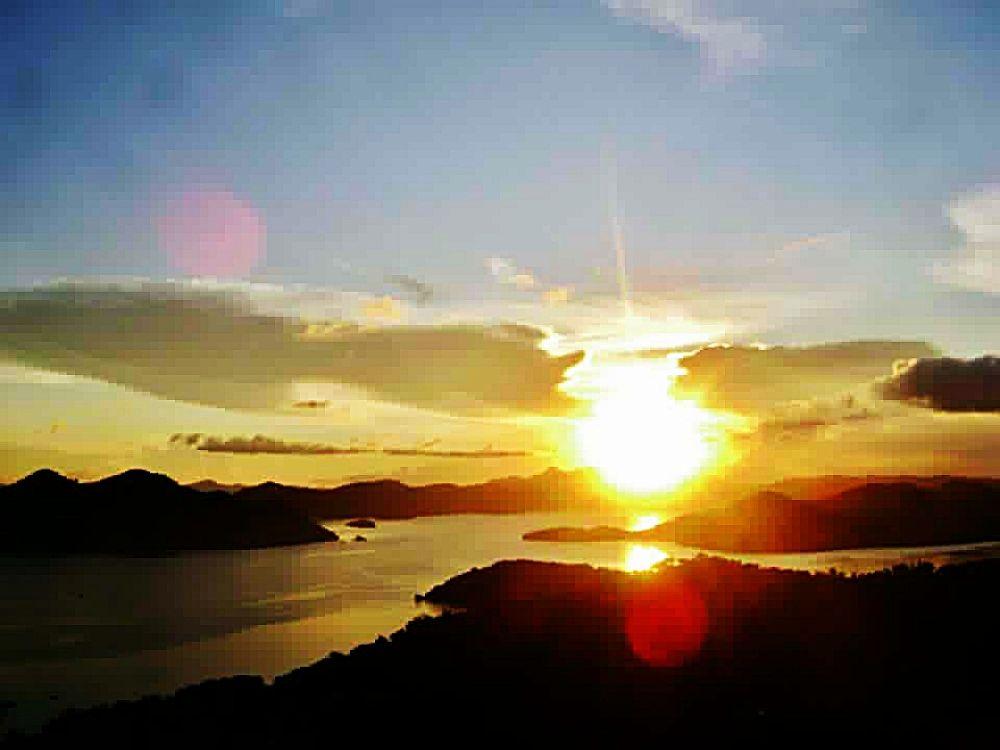coron bay sunset by Erlinda Bocar Kantor