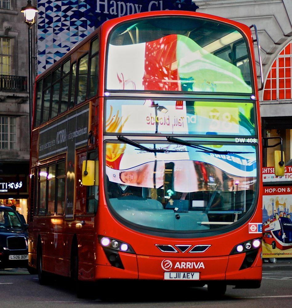 Bus number 38 by SakariPartio