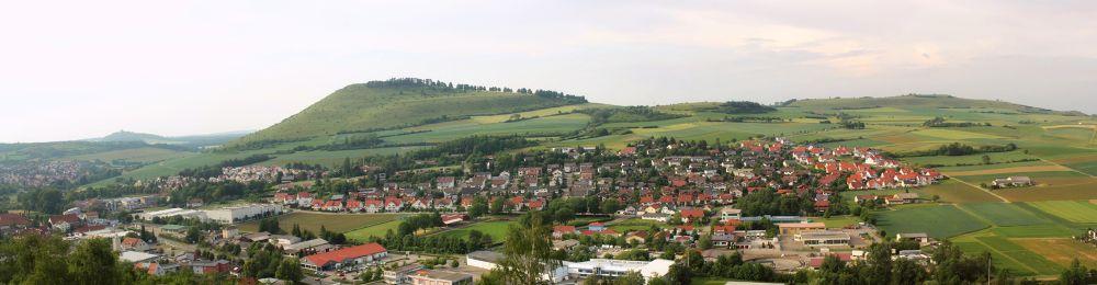town. by LunaLeiii