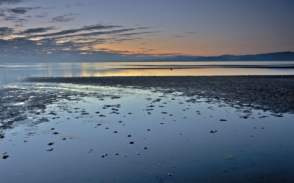 Parksville beach sunset by Ruth Grindrod