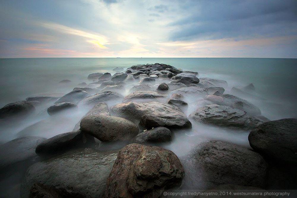 smooth sunset by Fredy Hariyetno