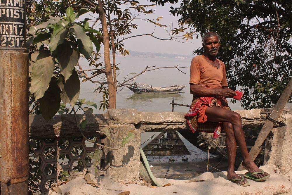IMG_4269  Hoogley  River - Kolkata by Sandra Dubout