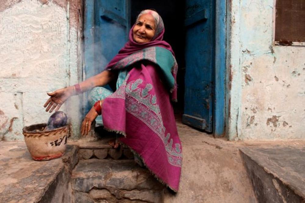 IMG_2986     Cooking Aubergine - Varanasi by Sandra Dubout