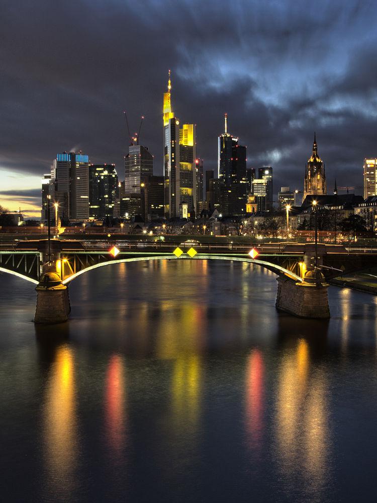 Skyline Frankfurt... by andie vogel