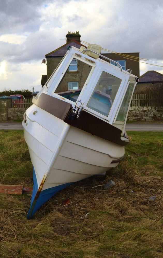 A Boat by Robert Nixon