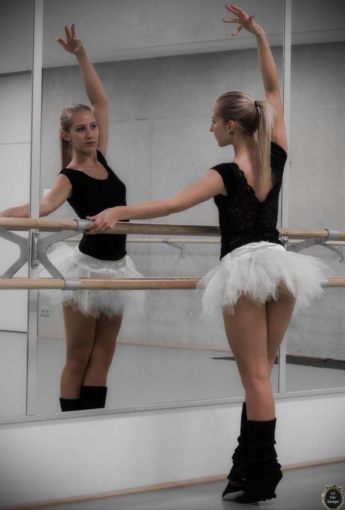Ballett 3 by DerSpiegelFotografie