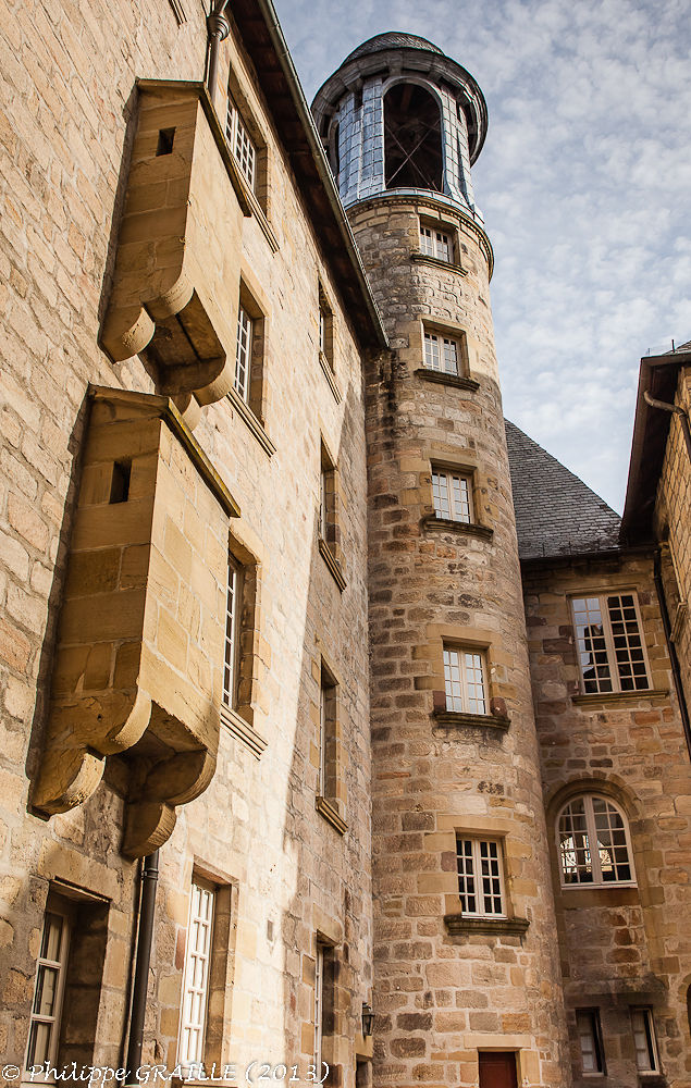 Brive la Gaillarde (Correze - France) - City hall tower by Philippe Graille