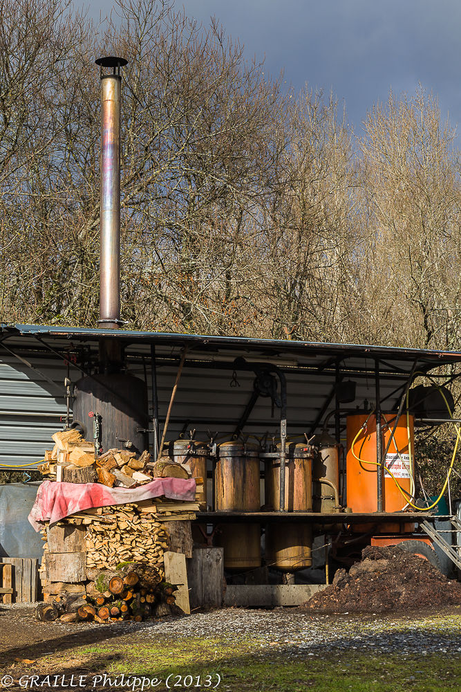 Mobile home distillor by Philippe Graille