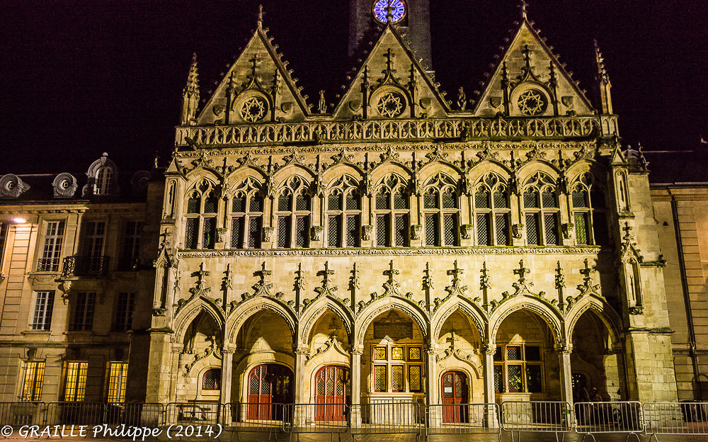 Saint Quentin (Aisne - France) - City hall by night by Philippe Graille