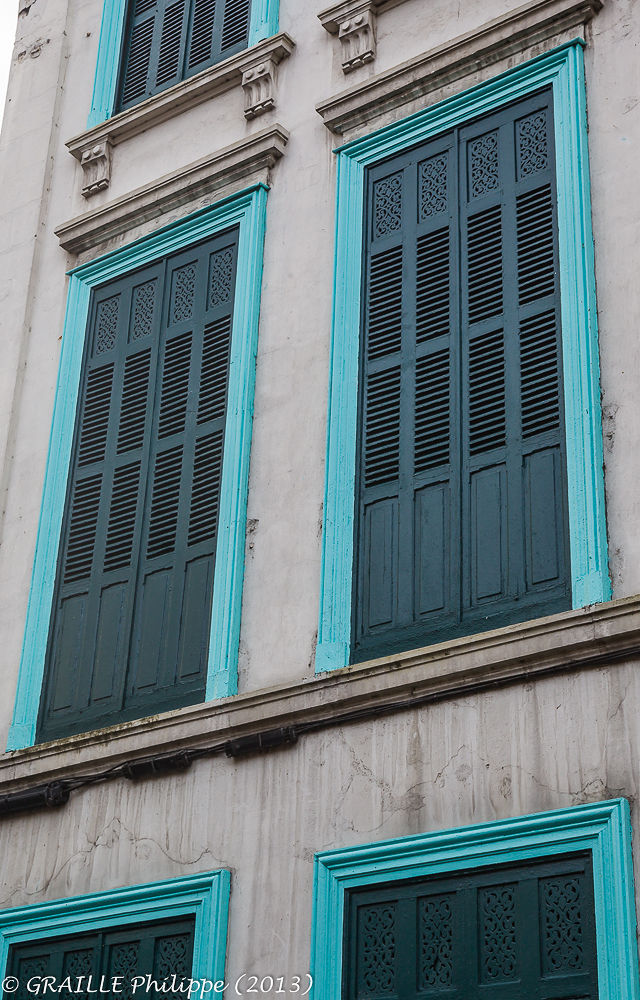Closed windows by Philippe Graille