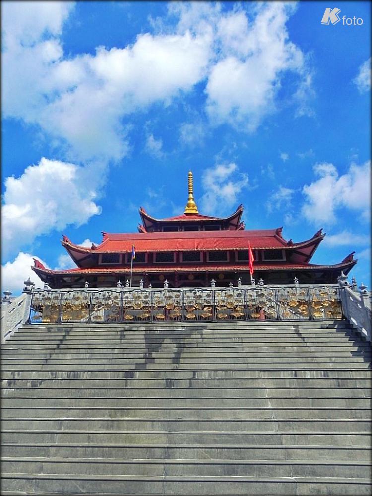 Hue Nghiem Pagoda by Kim CK