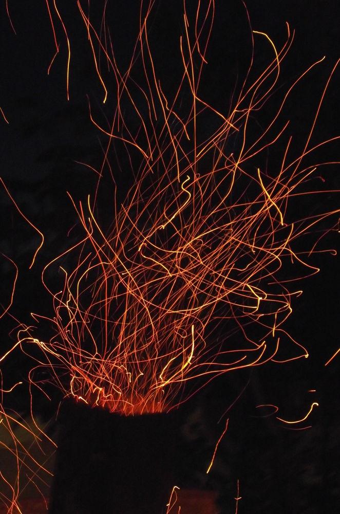 let it burn  by ezgigurle