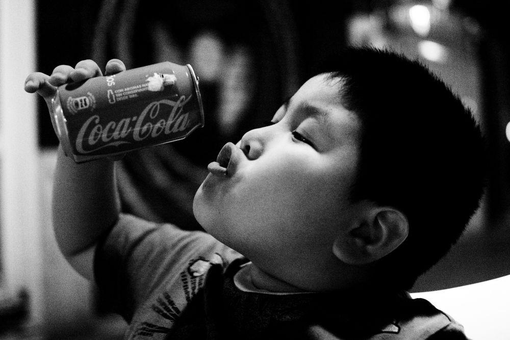 Drinking Coca-Cola by SergioBolinches