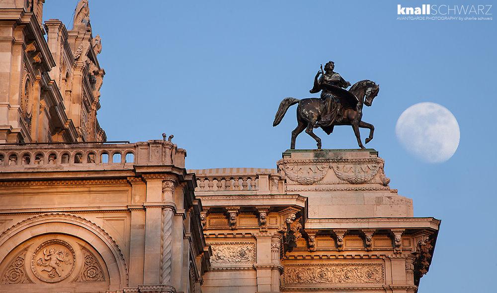 Wiener Staatsoper • Vienna • Austria by Charlie Schwarz