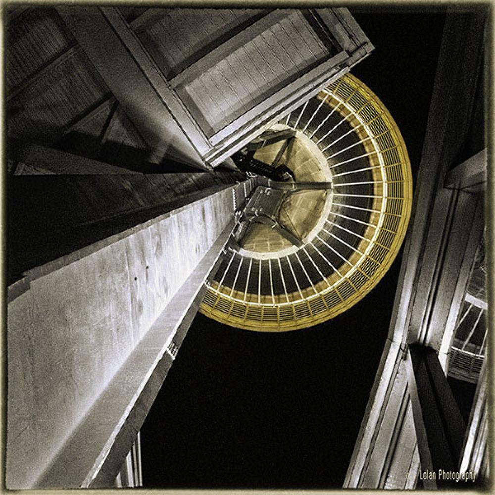 Space Needle from below by tlol