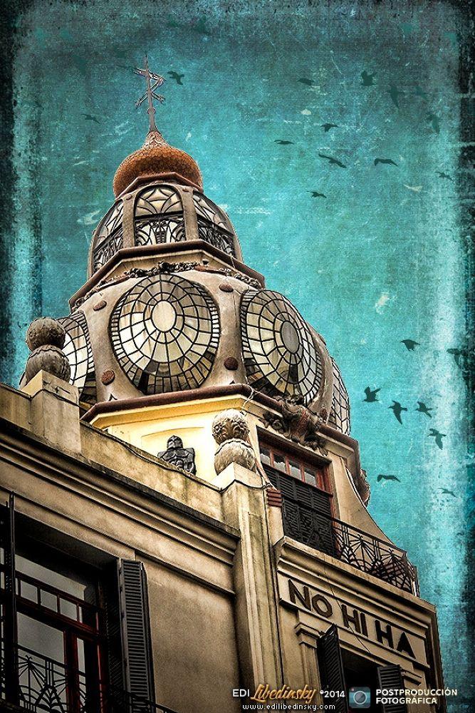 Paseo por San Cristóbal, Buenos Aires. Abril de 2014 [facebook.com/paginapostprod] by Edi Libedinsky