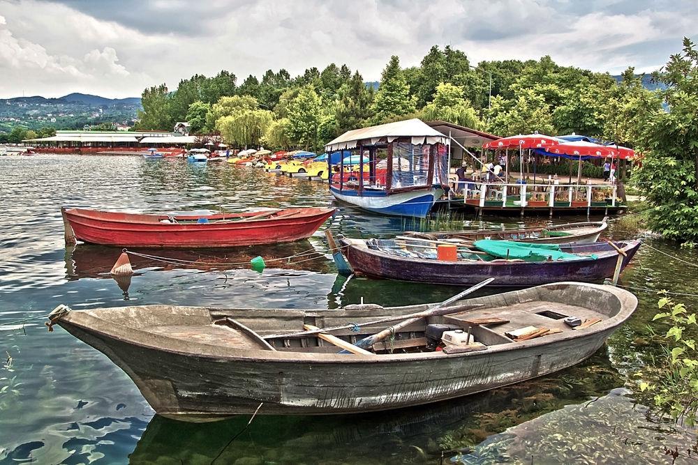 boats by Yılmaz Savaş Kandağ
