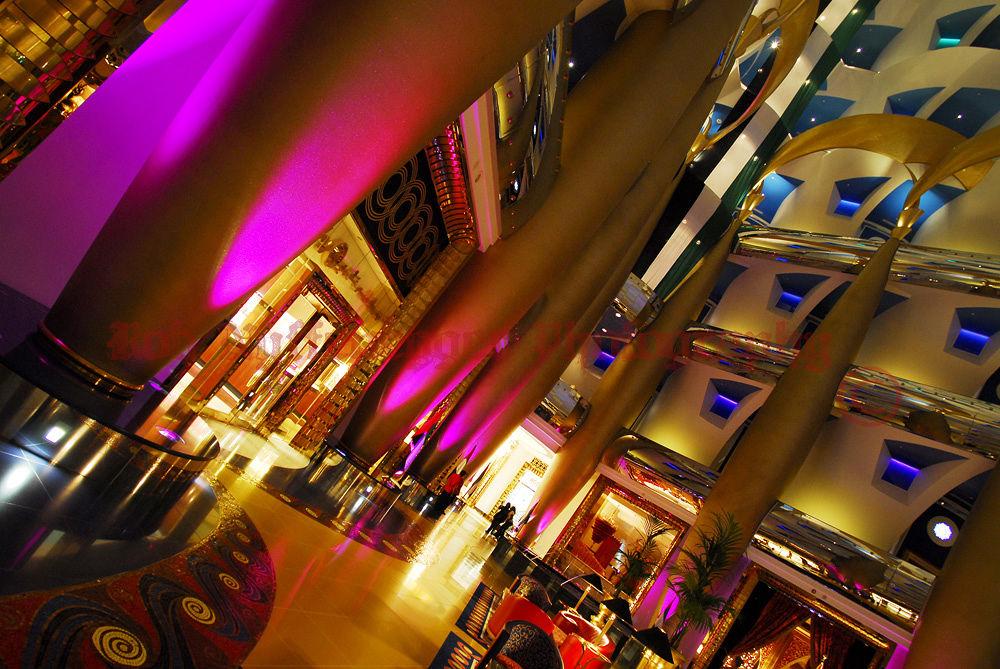 Inside the Burj Al Arab by robphot