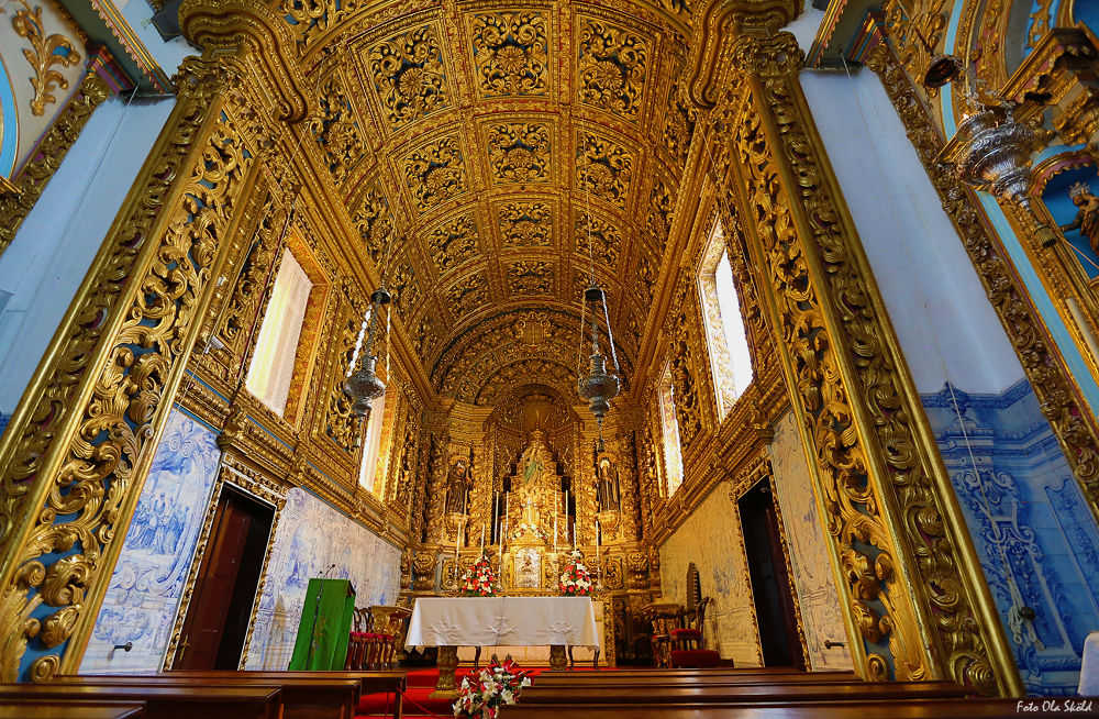 Golden-church by Ola Sköld