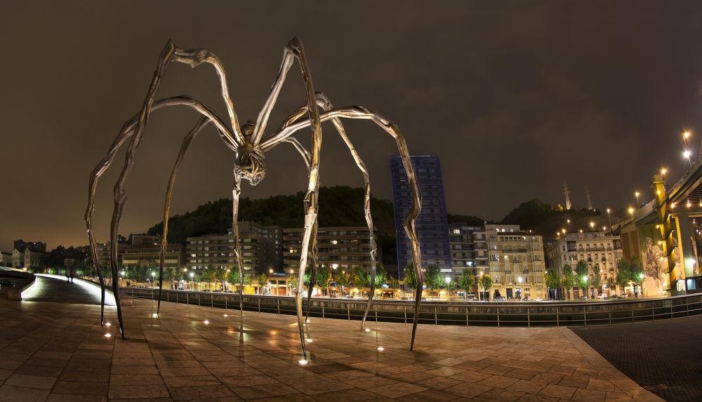 guggenheim spider by Jan Kiese
