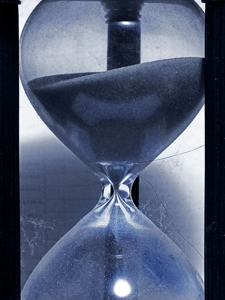 Hour Glass by CaseyofTTown